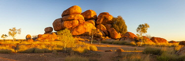 The shaped boulders of the Devils Marbles (Karlu Karlu). Devils Marbles Conservation Reserve, Central Australia, Northern Territory, Australia