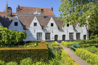 HMS3527804 Belgium, Western Flanders, Bruges, historical centre listed as World Heritage by UNESCO, Almshouse or God's house De Meulenaere (1613) God's Houses were houses donated to the poor or people otherwise...