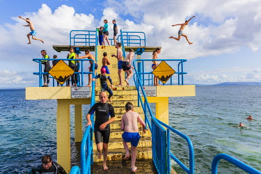 HMS3599423 Ireland, County Galway, the diving board in Salthill