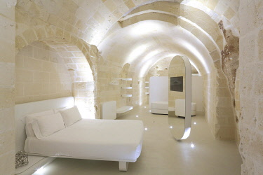 HMS3498328 Italy, Basilicata, Matera, European Capital of Culture 2019, troglodyte old town listed as World Heritage by UNESCO, Sasso Caveoso, Aquatio hotel (Cave Luxury Hotel & Spa) designed by architect Simone...