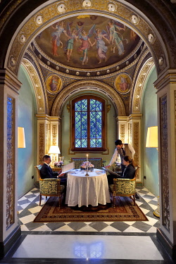 HMS3525617 Italy, Tuscany, Florence, listed as World Heritage by UNESCO, Palazzo Della Gherardesca, 5 star palace Four Seasons Hotel Firenze, romantic dinner in the chapel of the Cardinal