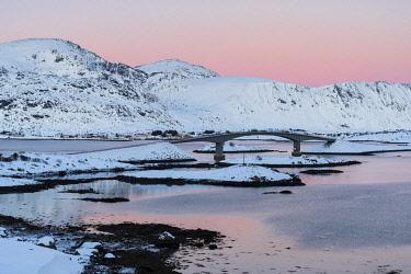 HMS3652437 Norway, Nordland County, Lofoten Islands, Fredvang, bridge