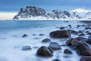 HMS3652451 Norway, Nordland County, Lofoten Islands, Uttakleiv, Beach