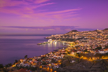PT04152 Portugal, Madeira, Funchal, View of Funchal  harbour and town