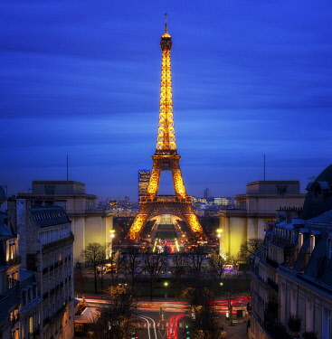 HMS3423121 France, Paris, Eiffel Tower and Trocadero Square at the Blue Hour