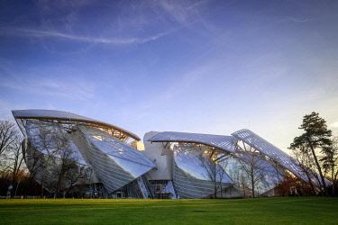HMS3482553 France, Paris, Bois de Boulogne, the Louis Vuitton Foundation of architect Frank Gehry, the Jardin d'Acclimatation