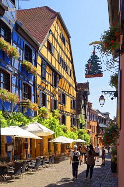 HMS3587575 France, Haut Rhin, Alsace Wine Route, Riquewihr, labelled Les Plus Beaux Villages de France (The Most Beautiful Villages of France), rue de Gaulle, traditionals half timbered houses