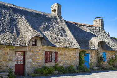 HMS3616120 France, Finistere, Aven Country, Nevez, Kerascoet thatched houses village (16th century)