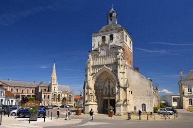 HMS3561951 France, Pas de Calais, Montreuil sur Mer, Saint Saulve abbey church built in the 12th century with the Saint Nicolas catholic chapel of H��tel Dieu in the background
