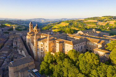 CLKAC122927 Aerial view of Urbino old town at sunset. Urbino, Marche, Italy, Europe