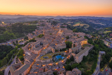 CLKAC122931 Aerial view of Urbino at dusk. Urbino, Marche, Italy, Europe