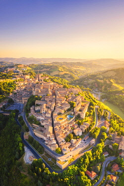 CLKAC122944 Aerial view of Urbino at sunrise. Urbino, Marche, Italy, Europe