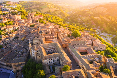 CLKAC122945 Aerial view of Urbino at sunrise. Urbino, Marche, Italy, Europe