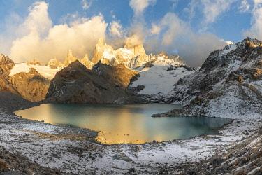 CLKFV118142 Fitz Roy range in the morning at Laguna Los Tres. El Chalten, Santa Cruz province, Argentina.