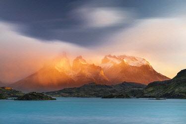 CLKFV118246 Paine Horns, Cerro Paine and Lake Pehoé at sunrise. Torres del Paine National Park, Ultima Esperanza province, Chile.