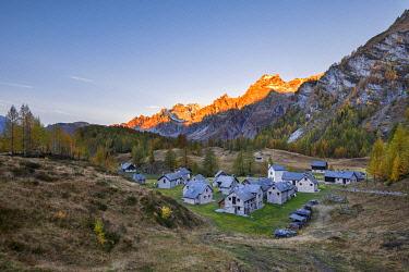 CLKGP119912 The Alp Crampilo at dawn in autumn season, Alpe Veglia and Alpe Devero Natural Park (Alpe Devero, Baceno, Antigorio Valley, Verbano Cusio Ossola province, Piedmont, Italy, Europe)