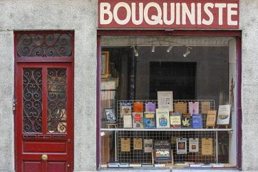 HMS3533451 France, Meurthe et Moselle, Nancy, bookshop in Soeurs Macarons street