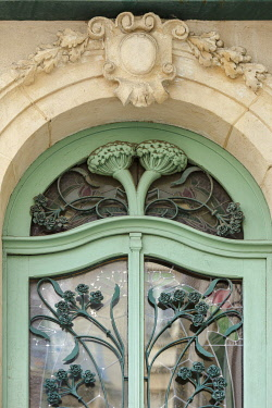 HMS3533641 France, Meurthe et Moselle, Nancy, door in Art Nouveau style in Sergent Blandan street