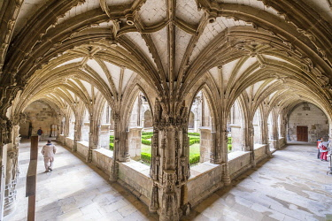 HMS3498397 France, Lot, Quercy, Cahors, cloister of Saint Etienne Cathedral, listed as World Heritage by UNESCO, Lot valley