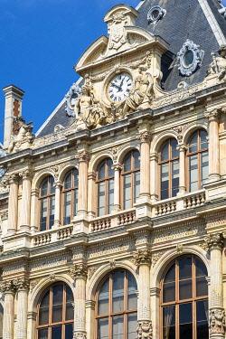 HMS3524475 France, Rhone, Lyon, historic district listed as a UNESCO World Heritage site, Cordeliers square, Palais de la Bourse de Lyon