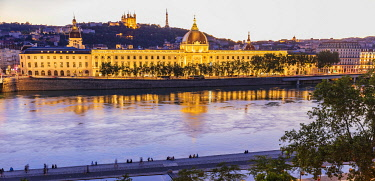 HMS3578222 France, Rhone, Lyon, historical site listed as World Heritage by UNESCO, quay Victor Augagneur, Rhone River banks with a view of Hotel Dieu and Notre Dame de Fourviere Basilica