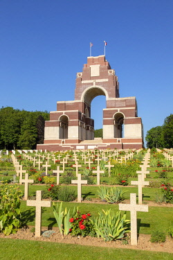 HMS3568983 France, Somme, Thiepval, Franco-British memorial commemorating the Franco-British offensive of the Battle of the Somme in 1916, French graves in the foreground