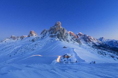 CLKMG122644 Winter landscape in Dolomites, Giau pass, Belluno, Veneto, Italy