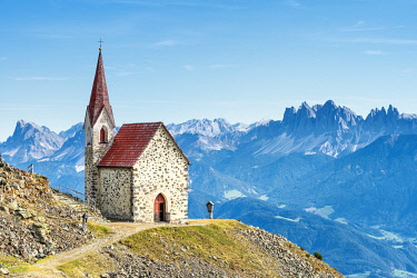 CLKMK122143 Lazfons, Chiusa, Bolzano district, South Tyrol, Italy, Europe. The pilgrimage church Latzfonser Kreuz with view to the Dolomites