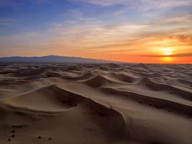 CLKSL119705 Singing Sand Dunes at Khongoryn Els, Gobi Gurvasaikhan National Park, Gobi Desert, Mongolia, Mongolian, Asia, Asian.