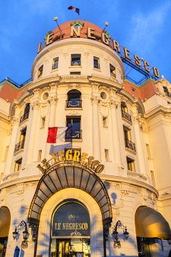 FR02873 The Hotel Negresco, Promenade des Anglais, Baie des Anges, Nice, South of France,
