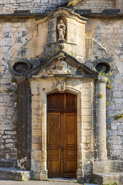 HMS3641343 France, Vaucluse, Venasque, labeled the Most Beautiful Villages of France, the Romanesque church of the 13th century dedicated to Notre-Dame