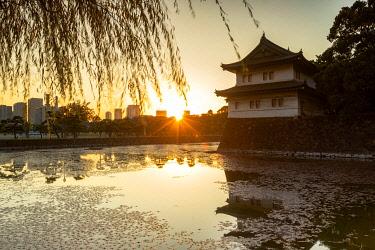 JAP2120AWRF Moat of Imperial Palace at sunset, Tokyo, Japan