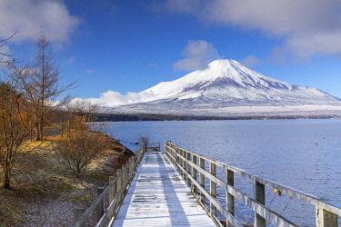 JAP2149AWRF Mount Fuji and Lake Yamanaka, Yamanashi Prefecture, Japan