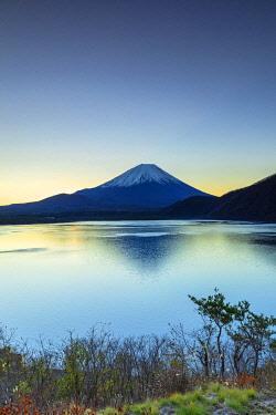 JAP2161AWRF Mount Fuji and Lake Motosu at dawn, Yamanashi Prefecture, Japan