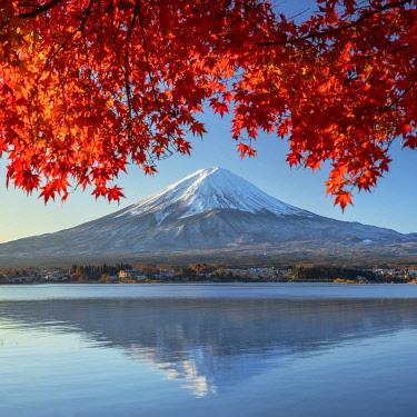 JAP2316AW Mount Fuji and Lake Kawaguchi, Yamanashi Prefecture, Japan