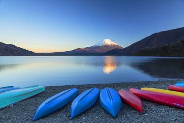 JAP2344AW Mount Fuji and Lake Motosu at sunset, Yamanashi Prefecture, Japan