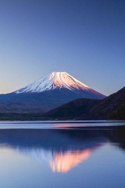 JAP2346AW Mount Fuji and Lake Motosu at sunset, Yamanashi Prefecture, Japan