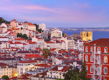 POR10802AWRF Portugal, Lisbon, Overview of Se Cathedral and city at Dusk