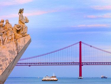 POR10782AW Portugal, Lisbon, Belem, Monument to the Discoveries (Padrao dos Descobrimentos) and tourist boat