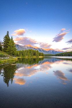 CAN3582AW Sunset at Johnson Lake, Banff National Park, Canadian Rockies, Alberta, Canada