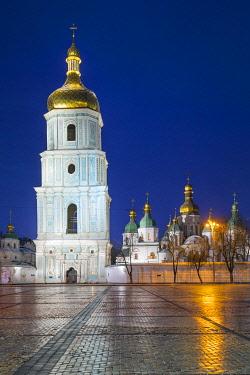 UA090RF St. Sophia's Cathedral and Bell Tower, Sofiyivska Square, Kiev (Kyiv), Ukraine