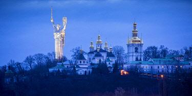 UA01312 Motherland Monument & Pechersk Lavra (Monastery of the Caves), Kiev (Kyiv), Ukraine