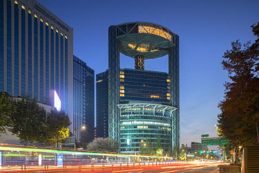 SKO525AWRF Jongno Tower at dawn, Seoul, South Korea