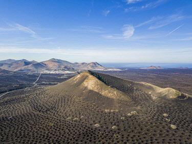 SPA9718AW La Geria volcanic landscape with vineyards, Lanzarote, Canary Islands, Spain