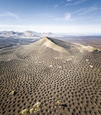 SPA9719AW La Geria volcanic landscape with vineyards, Lanzarote, Canary Islands, Spain