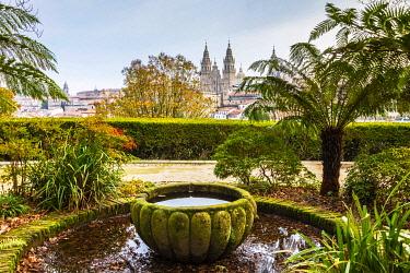SPA9628 Spain. Galicia. Santiago de Compostela. The Cathedral of Santiago from the Gardens.