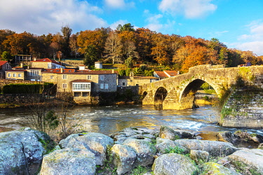 SPA9635 Spain. O Coruna. Negreira. An impressive Roman Bridge which the Camino pilgrims cross on the way to Muxia and Finisterre normally after they have arrived in Santiago de Compostela.