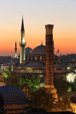 IBLMAN02420838 Atik Ali Pasha Mosque and the Column of Constantine, Cemberlitas, Istanbul, Turkey, Europe, Asia