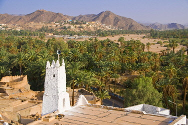 IBLRUN01889239 Mosque and stone houses in the village of Djanet, Algeria, Africa