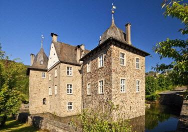 IBLSZI04191960 Castle Lenhausen, Finnentrop, Sauerland, North Rhine-Westphalia, Germany, Europe